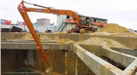 挖掘机厂家:挖掘机装上加长臂台班涨5倍?这几点你必须提前看好